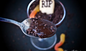 An adult twist on the Halloween classic. Drunk in the Graveyard swaps out the standard chocolate pudding for something darker with a alcoholic twist